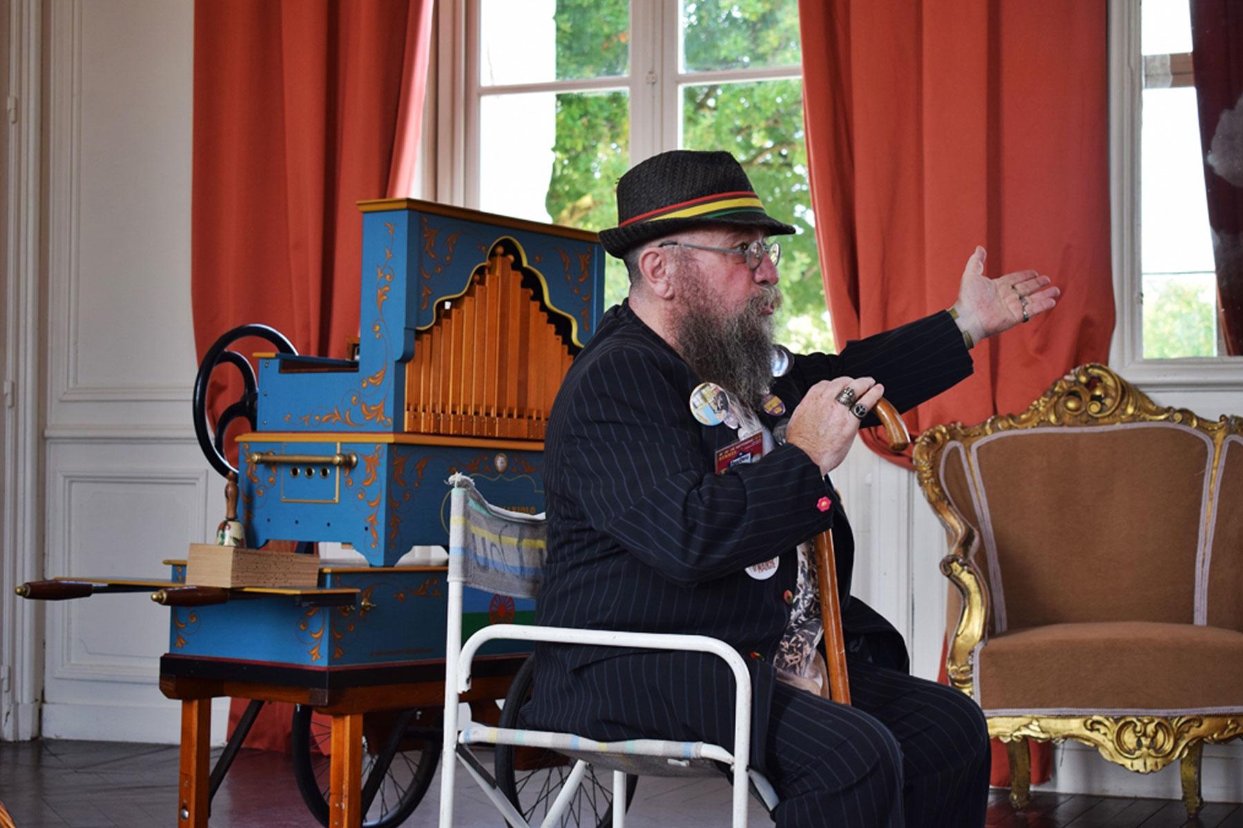 La musique de doudou Mariolo, on en profite en famille au Château de Vair