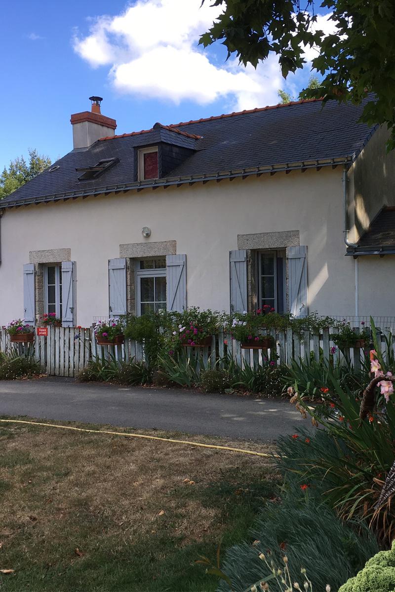 Gite de la Tindière dans une maison éclusière au bord du canal de Nantes à Brest à Nort-sur-Erdre