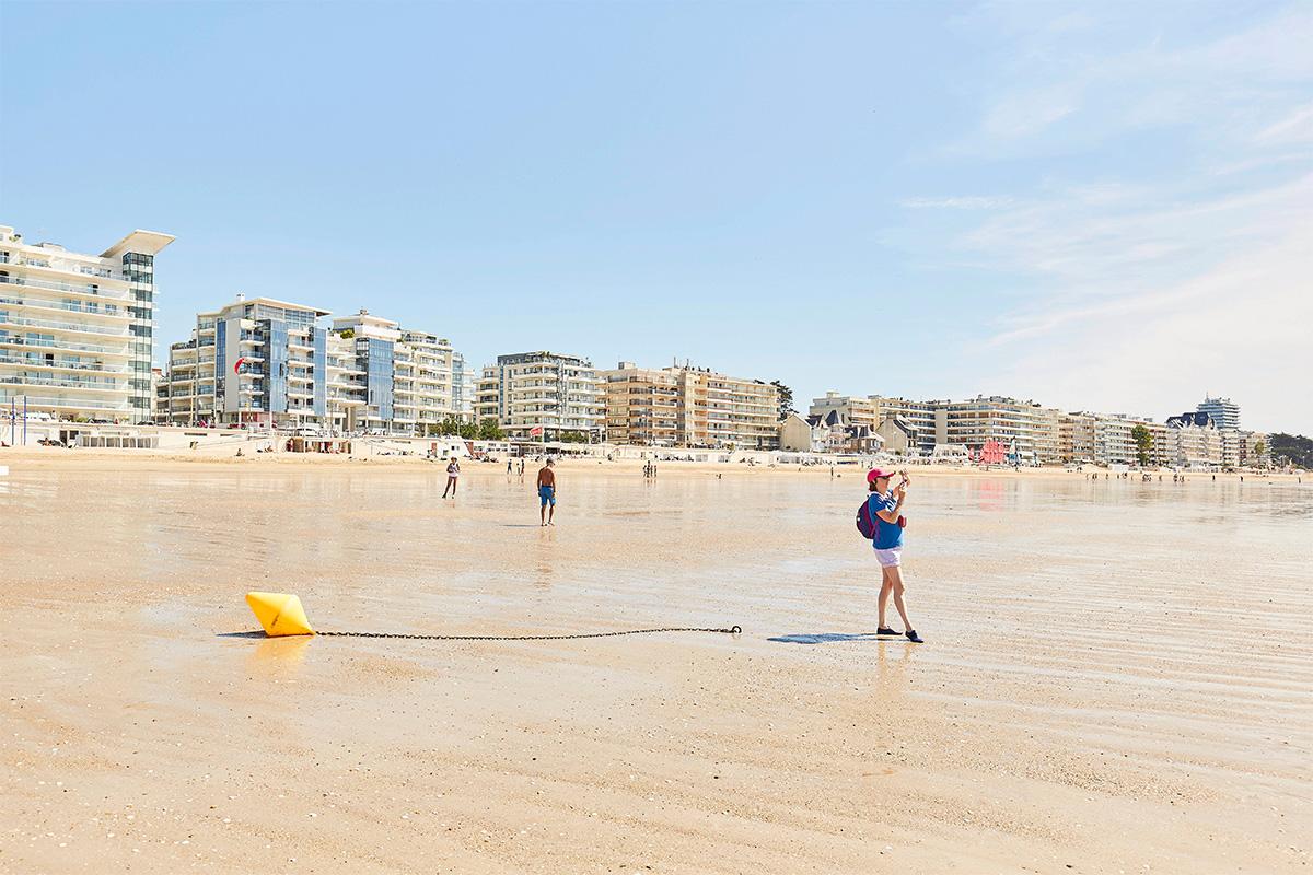 balade sur la plage pendant un week-end à La Baule sur la côte atlantique