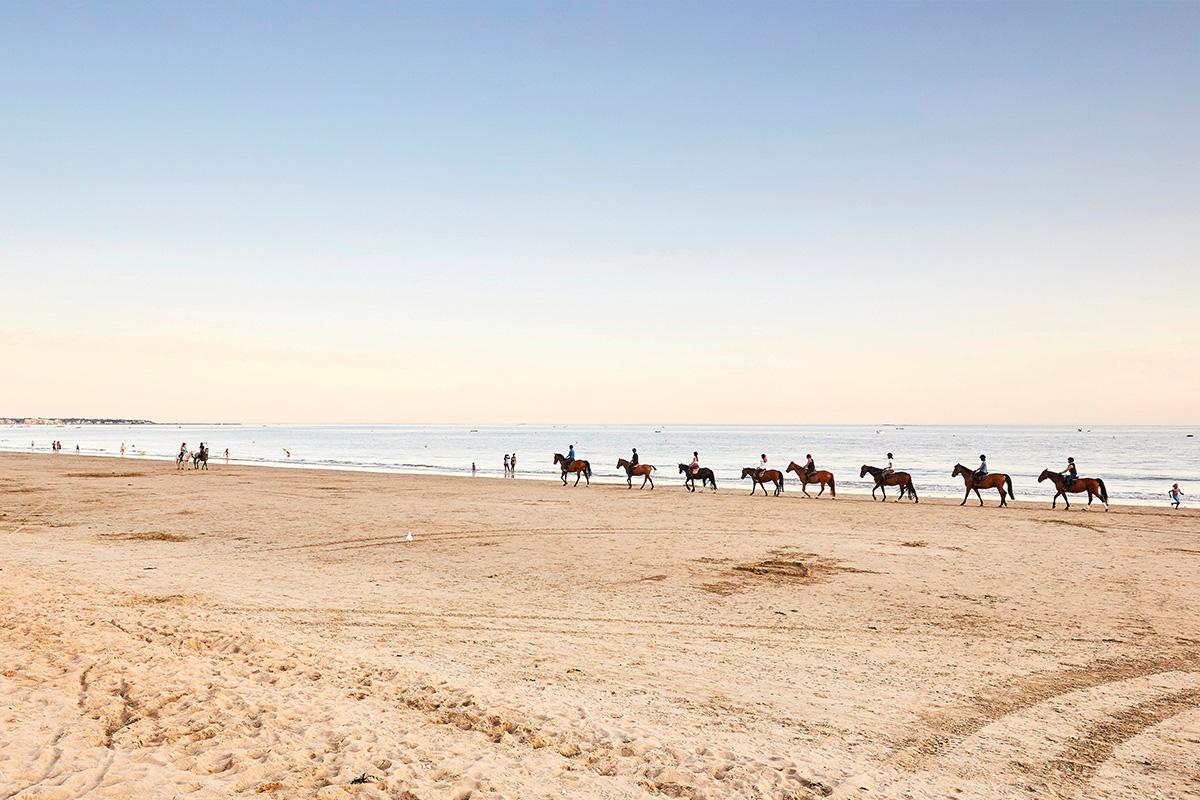 balade a cheval plage de la baule thalassothérapie