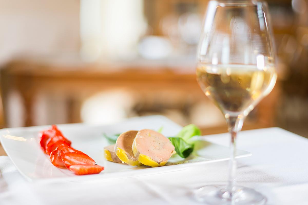Après une visite des vignes, dégustation de vin du domaine des Hautes Noëlles en Loire-Atlantique