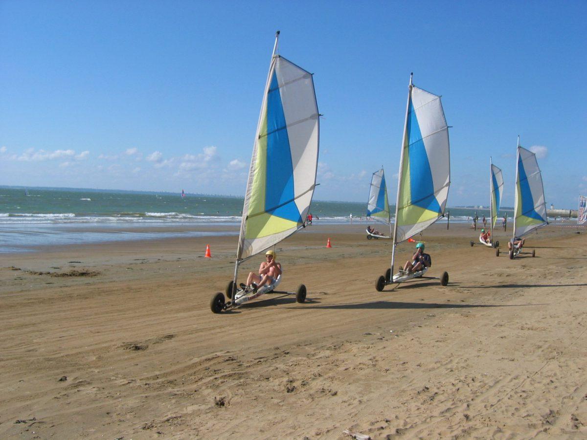 char à voile à la plage de Saint-Michel-Chef-Chef